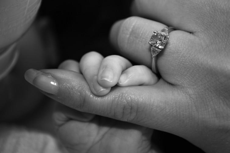 Holding_mummy_finger_BW